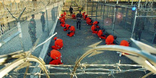 870186_3_1b8f_prisonniers-du-camp-x-ray-de-guantanamo-en