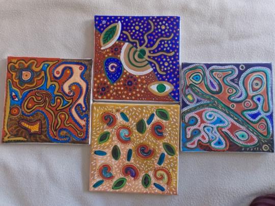 4 motifs,