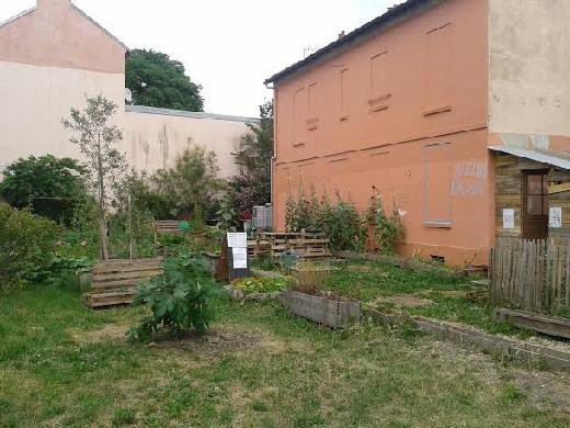 jardin avant chez satie