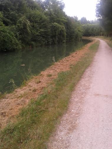 le long du canal vers chez beckett