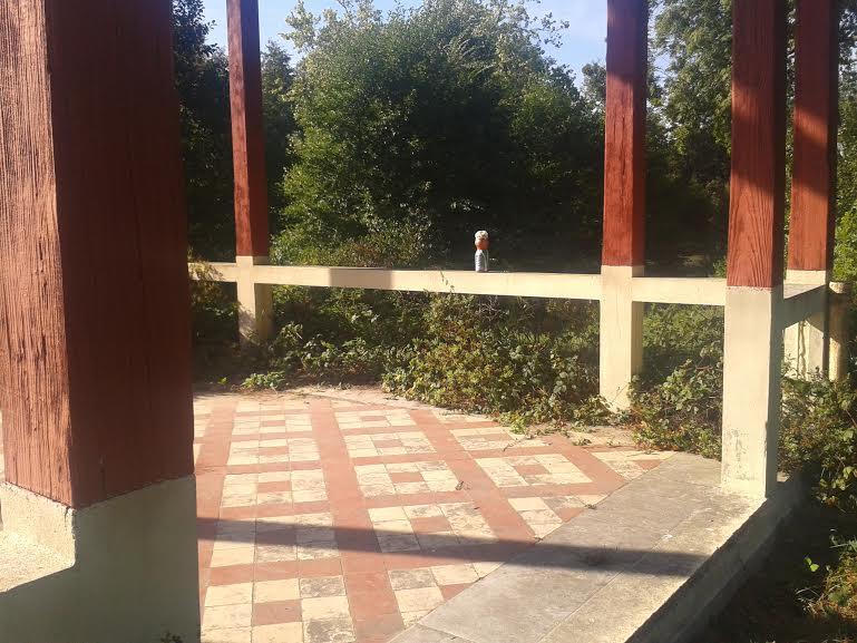 mme-terre-piliers-du-kiosque-ermenonville