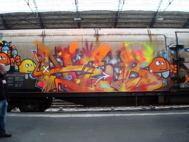 train-le-rungis-graffe-3