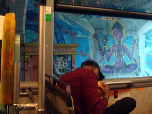 dans le bus-min