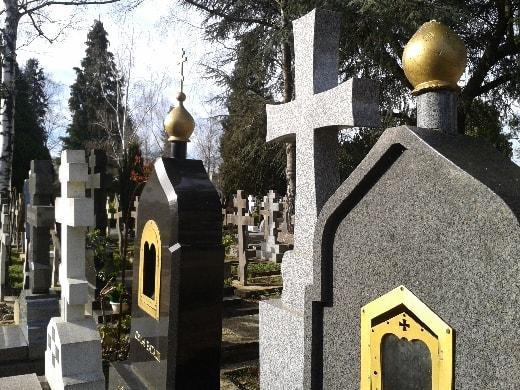 tombes au cimetière russe-min