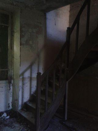 menouville escalier ruine
