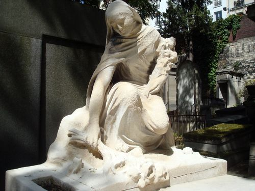 statue cimetiere montmartre,