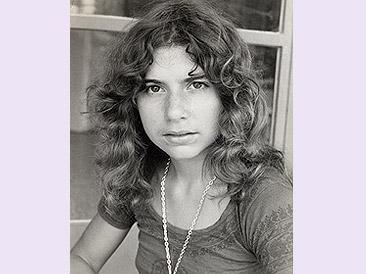 à dix-sept ans, en Grèce, photographiée par mon amie allemande, Eva