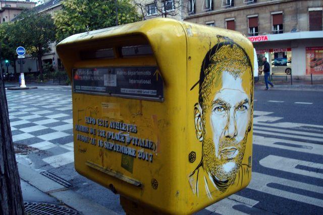 à Paris ce matin en allant prendre le bus (puis le RER), photo Alina Reyes