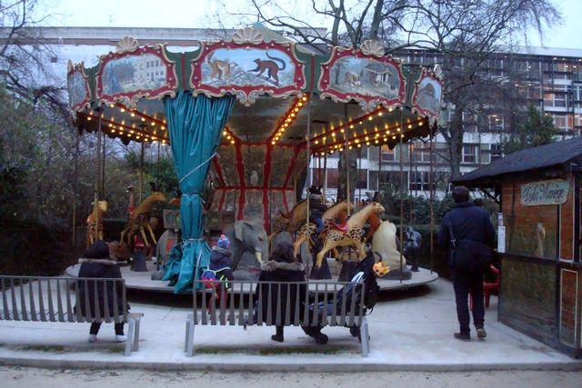 Le manège des animaux disparus, cet après-midi au Jardin des Plantes à Paris, photo Alina Reyes