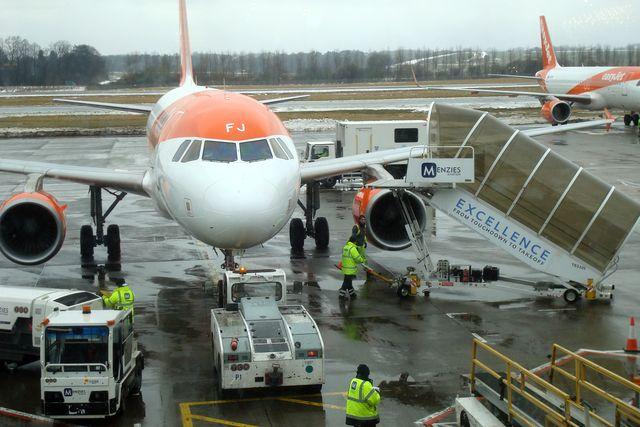 edinburgh airport 12