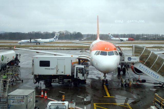 edinburgh airport 4