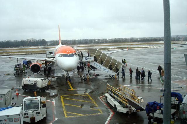 edinburgh airport 7