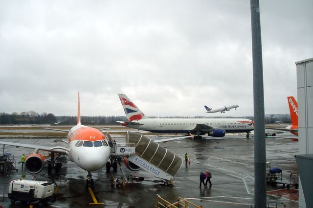 edinburgh airport 9