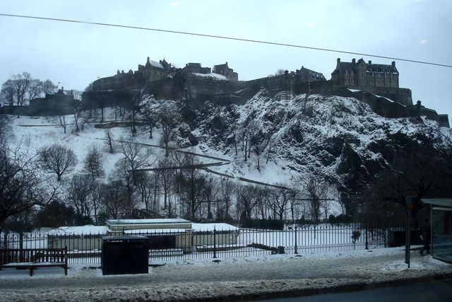 edinburgh from the bus 100 5