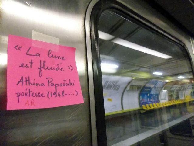 L'un de mes PostIt dans le métro cette nuit