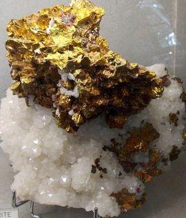 Chalcopyrite (cuivre)