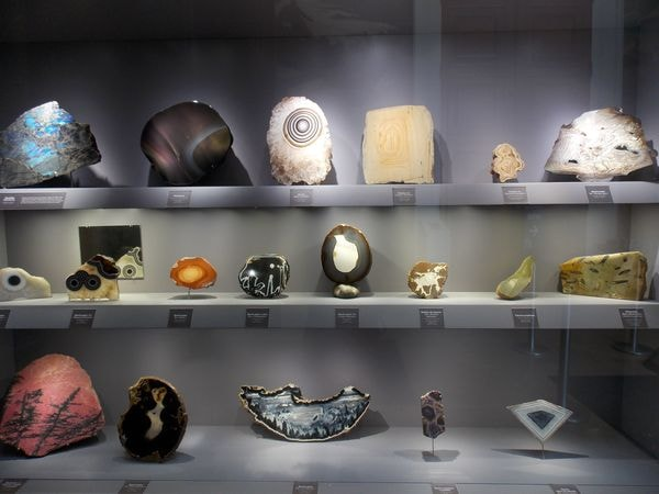 mineralogie museum 1-min