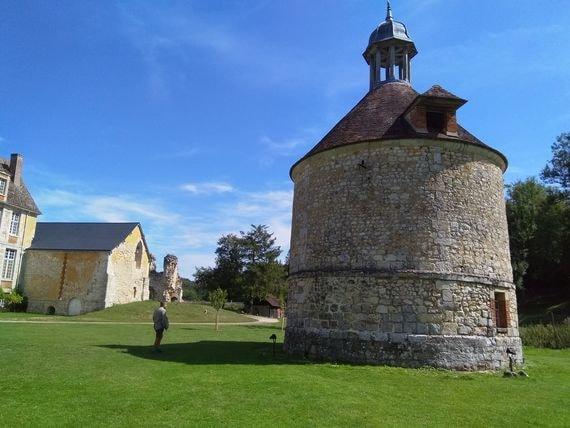 abbaye de mortemer 1-min