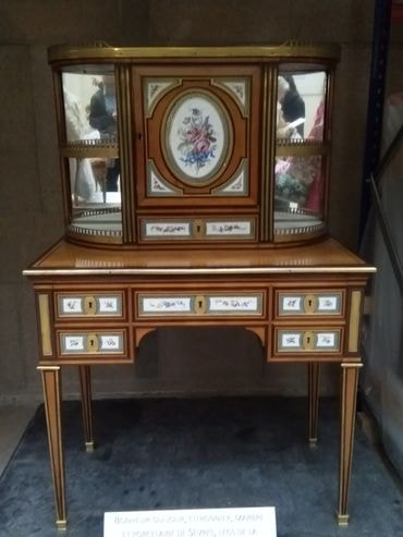 mobilier national 3-min
