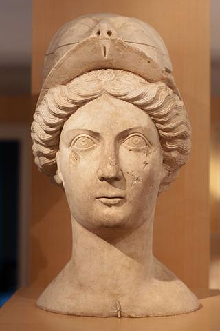 Musée_romain_d'Avenches_-_statue_de_la_déesse_Minerve