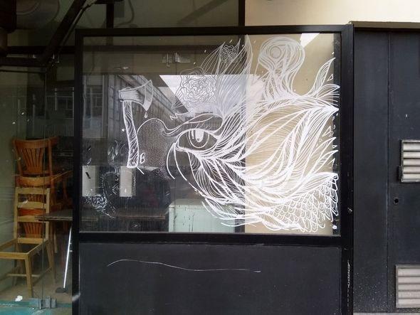 """""""Un livre doit être la hache qui brise la mer gelée en nous"""" Franz Kafka. Un café dans mon quartier, photo Alina Reyes"""