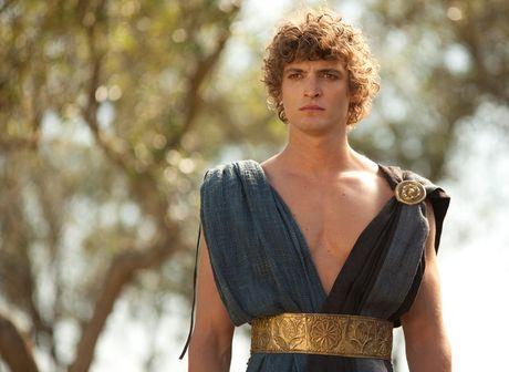 Niels Schneider dans le rôle de Télémaque pour la série Odysseus. Photo Armanda Claro pour Arte